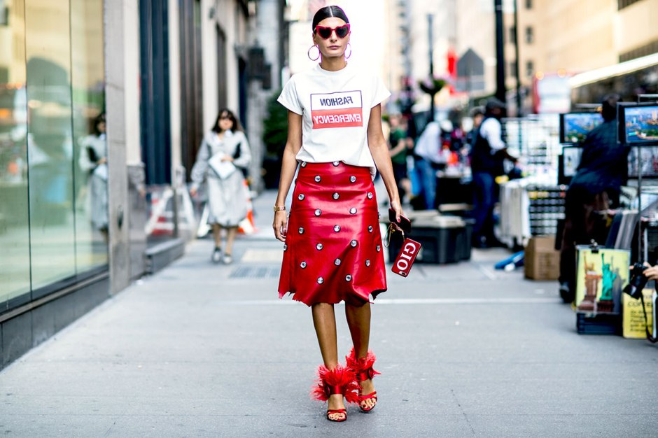 new-york-fashion-week-street-style-giovanna-battaglia-red-embellished-skirt